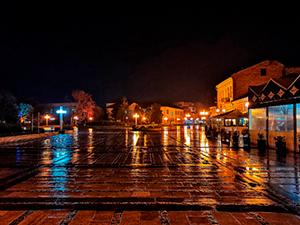 Дъждовен Лом късно вечер
